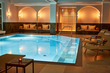 Steigenberger Grandhotel & SPA Petersberg: Pool